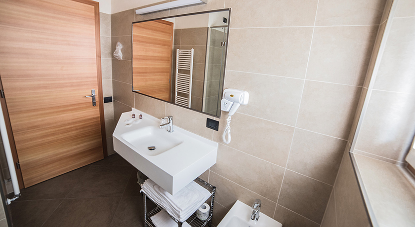 Hotel garn paradisi family room - Kit cortesia bagno ...